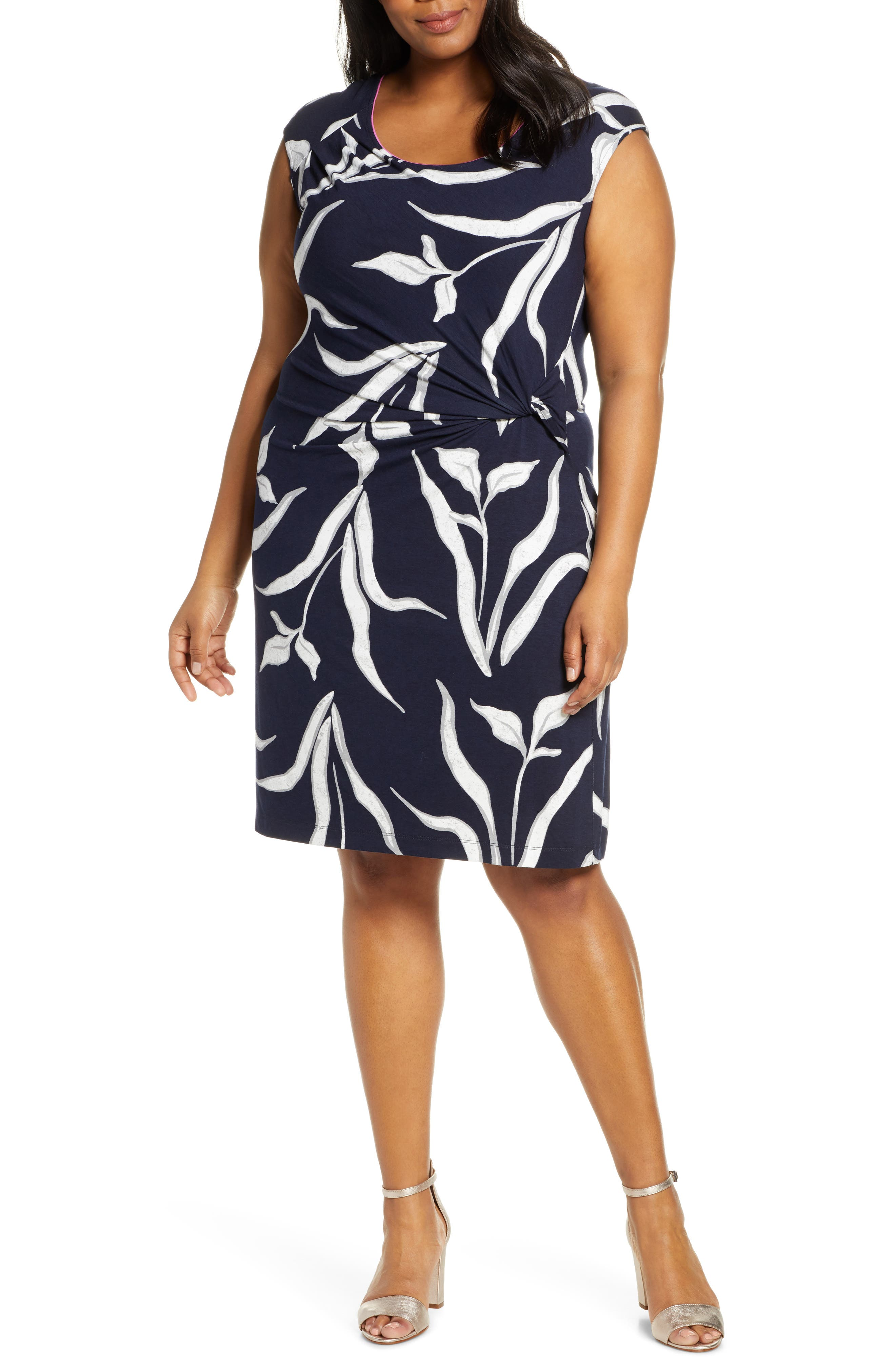 Plus Size Nic+Zoe Iris Floral Twist Sheath Dress, Black