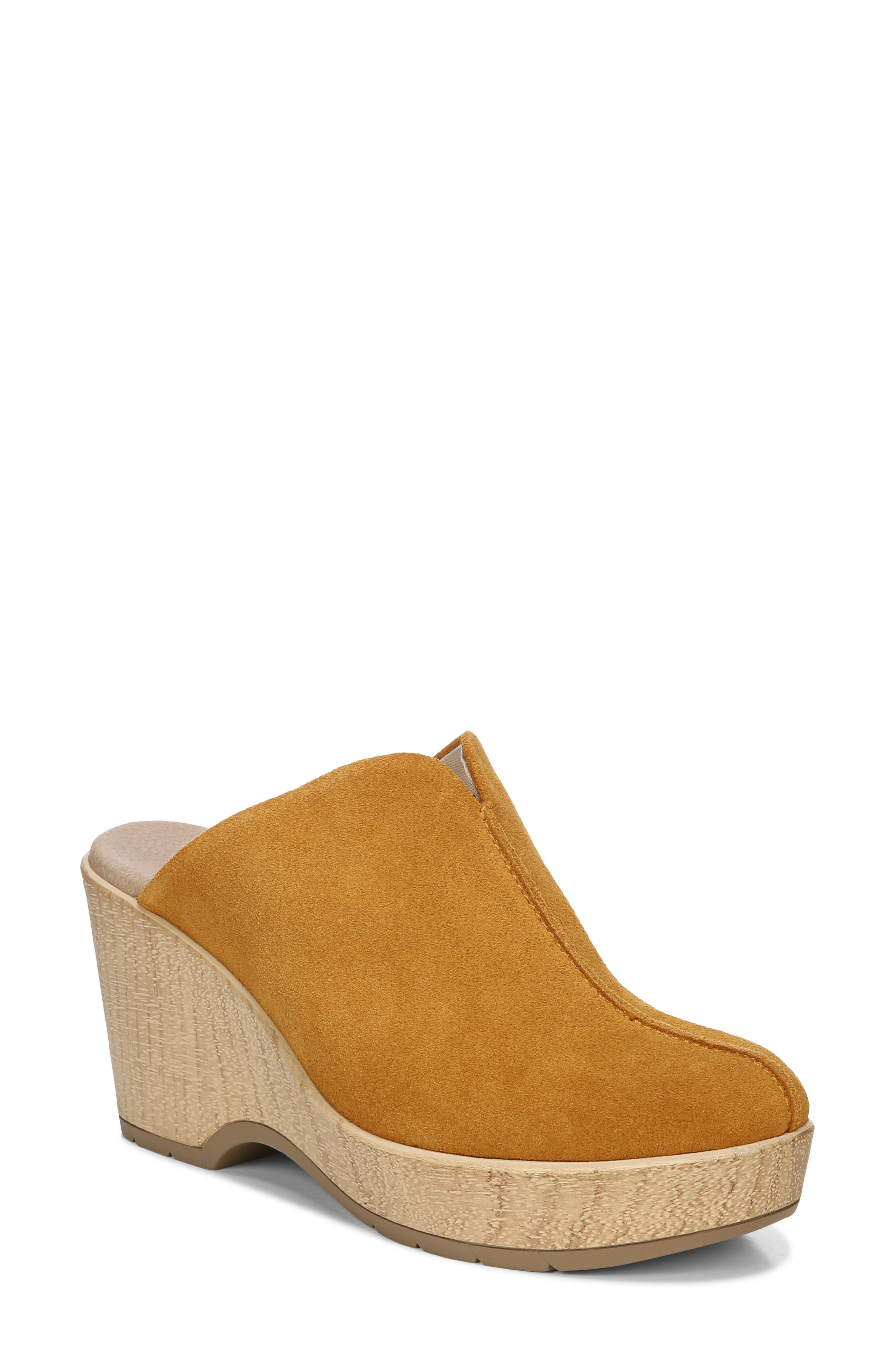 Dr. Scholl's Poppy Clog In Golden Yellow Leather
