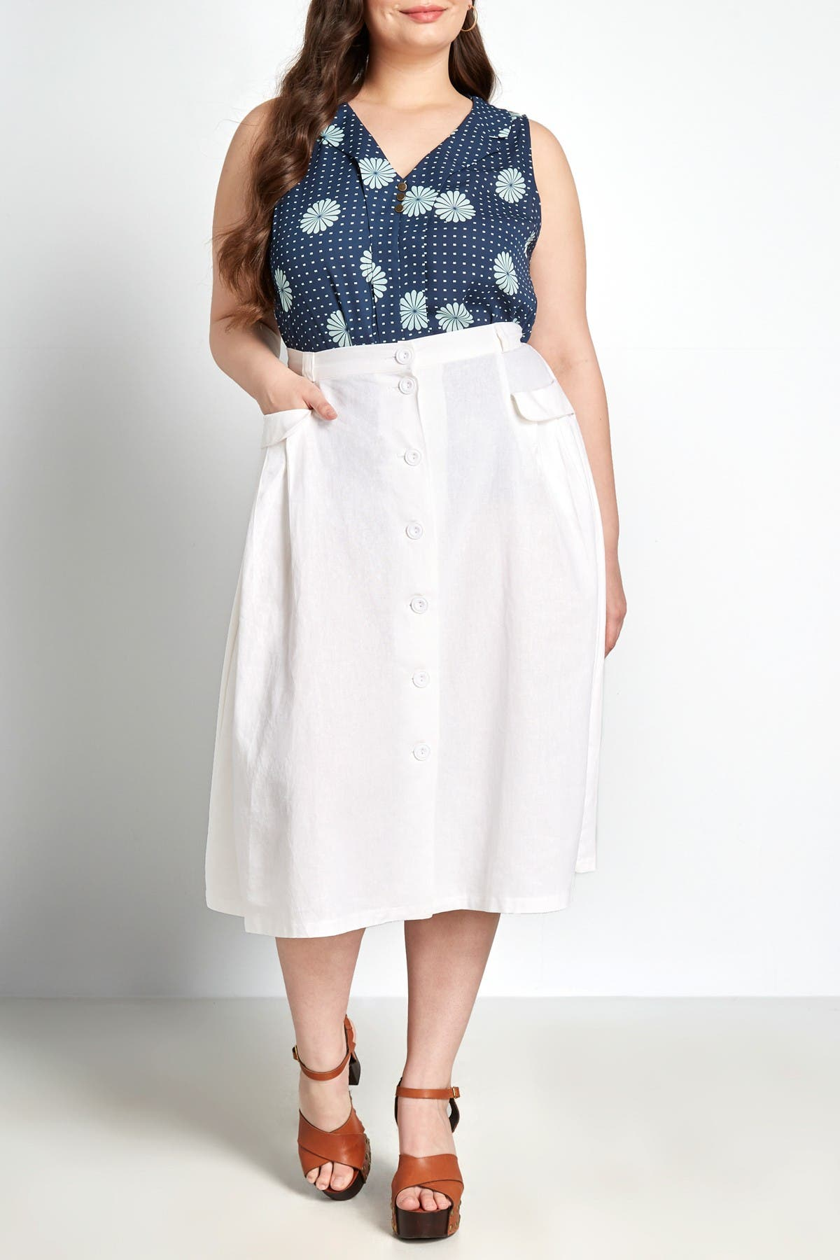 60s Skirts | 70s Hippie Skirts, Jumper Dresses MODCLOTH Effortless Feature Midi Skirt Size 26 - White at Nordstrom Rack $29.97 AT vintagedancer.com