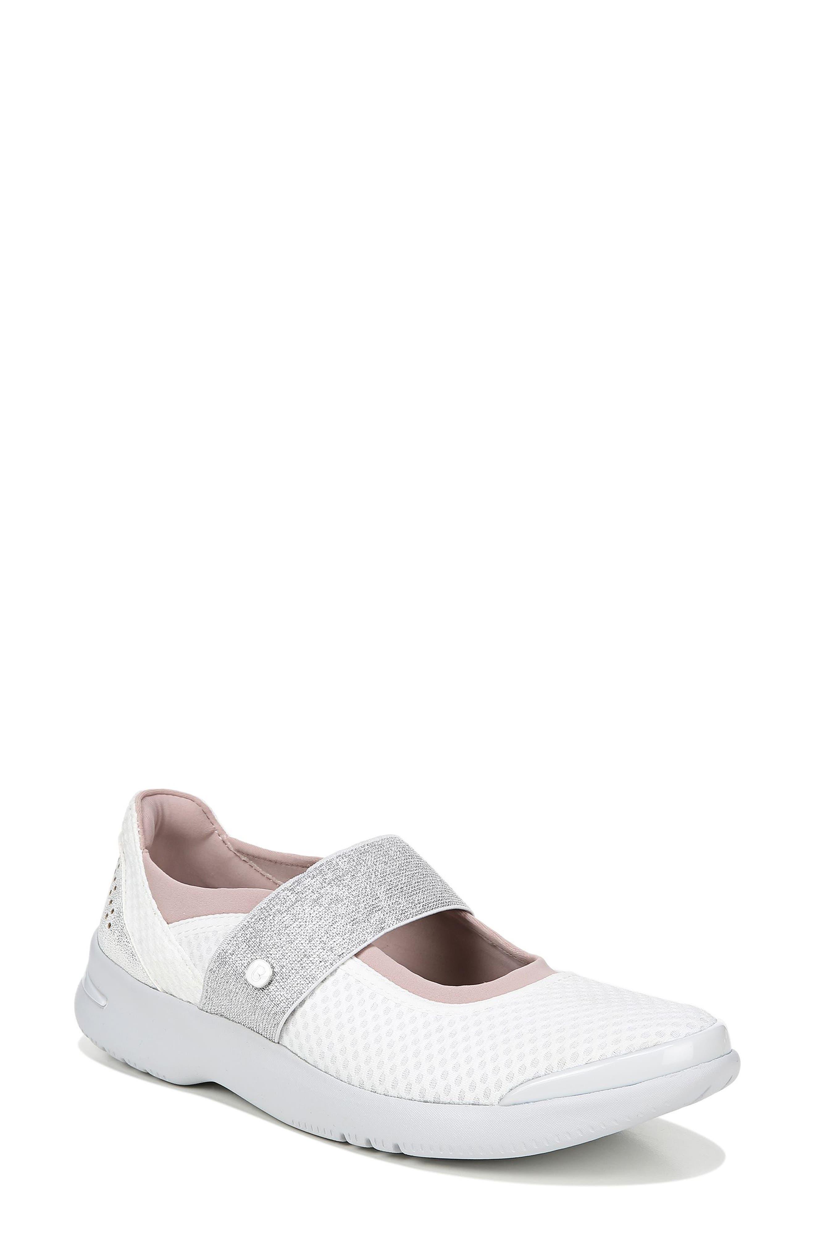 Bzees Athena Sneaker- White