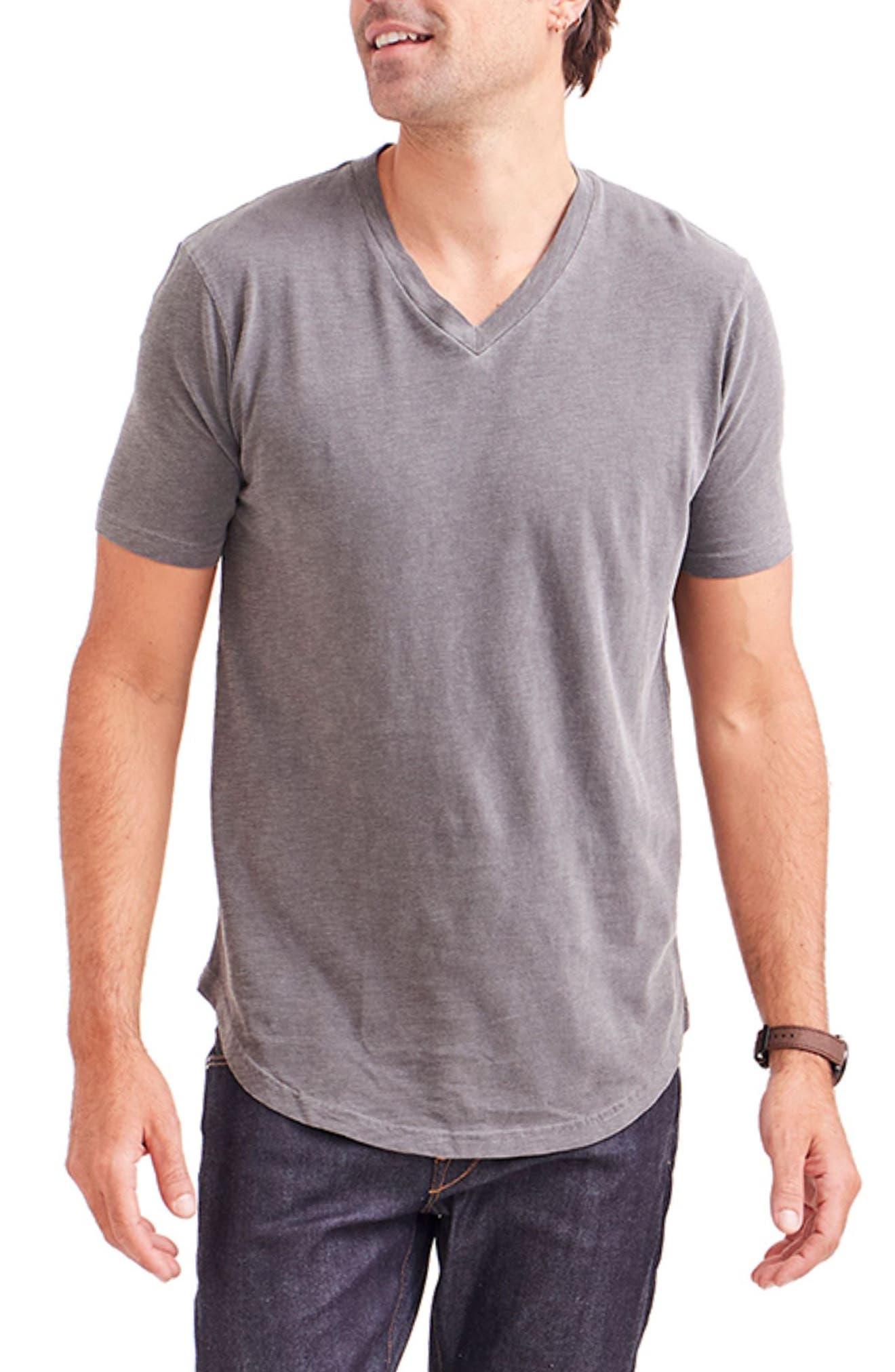 Scallop V-Neck T-Shirt