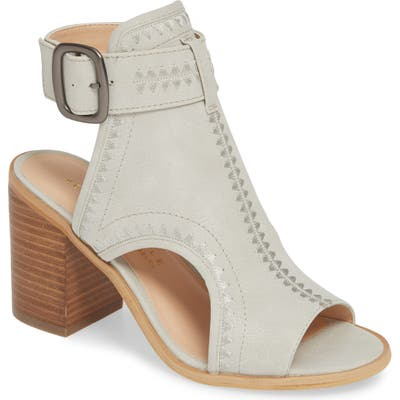 Very Volatile Yankee Embroidered Shield Sandal, Grey