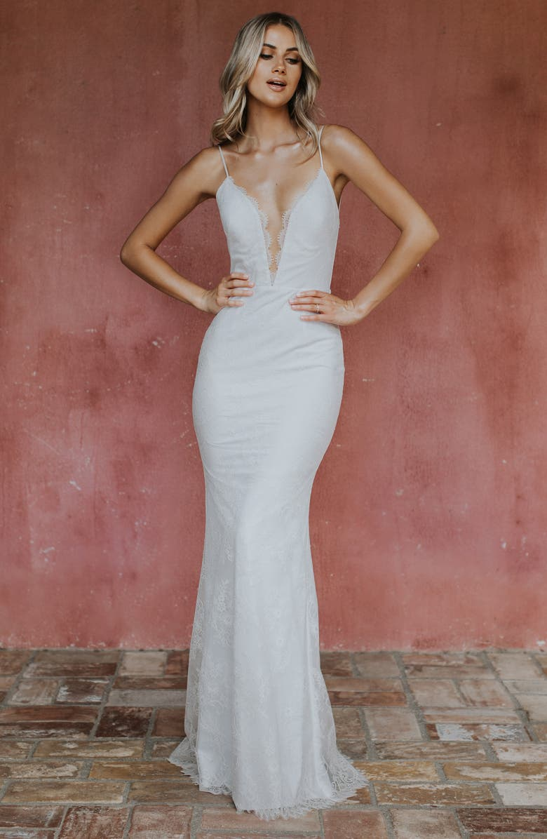 NOEL AND JEAN BY KATIE MAY Oh Baby Plunging Lace Trumpet Gown, Main, color, IVORY