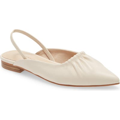 Intentionally Blank Into Pointed Toe Flat, Beige