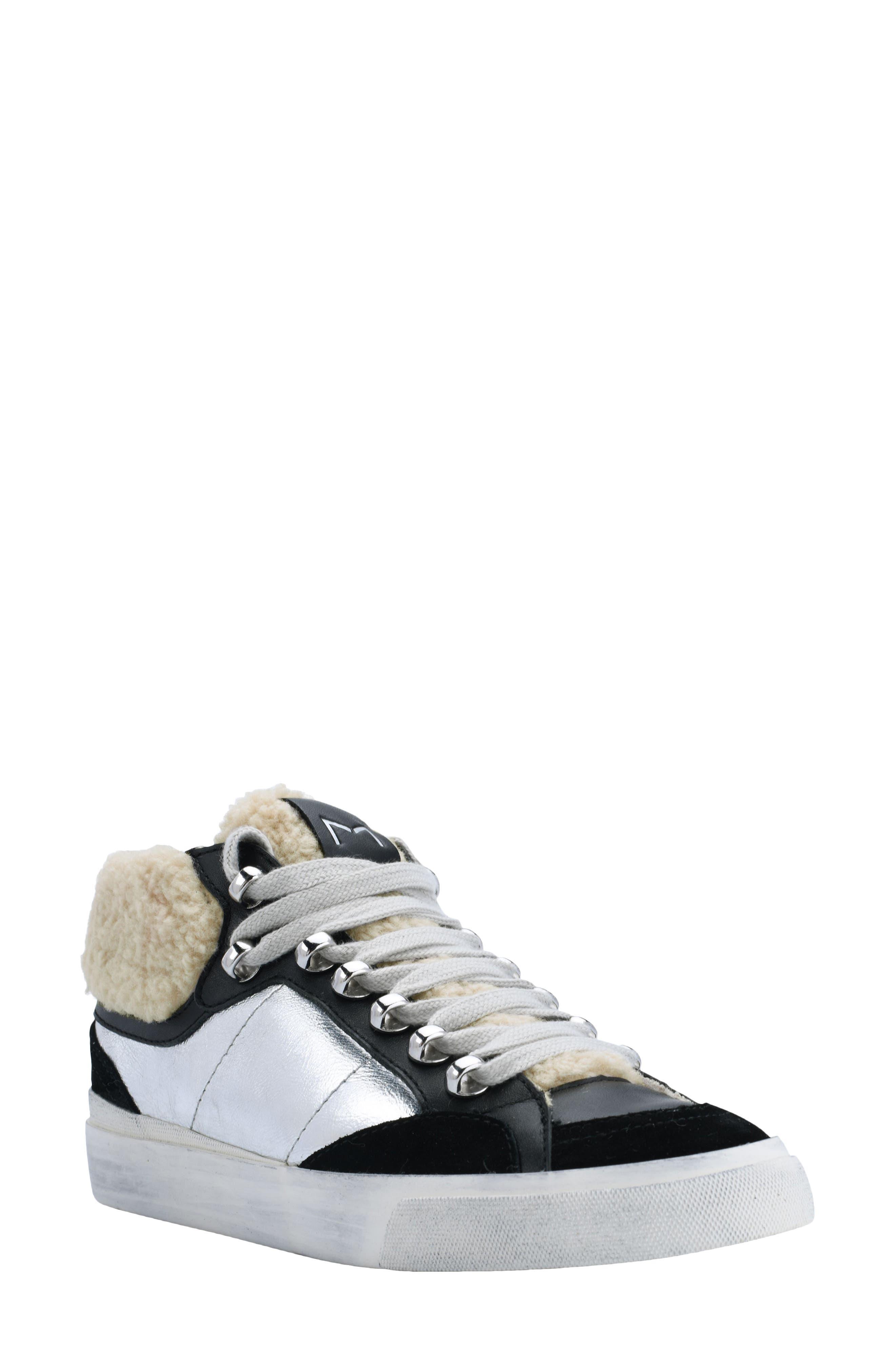 Merin Sneaker