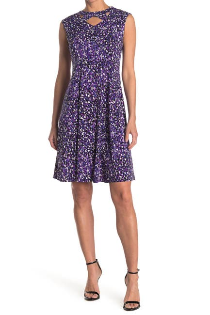 Image of London Times Printed Twisted Keyhole Sleeveless Knee Length Dress