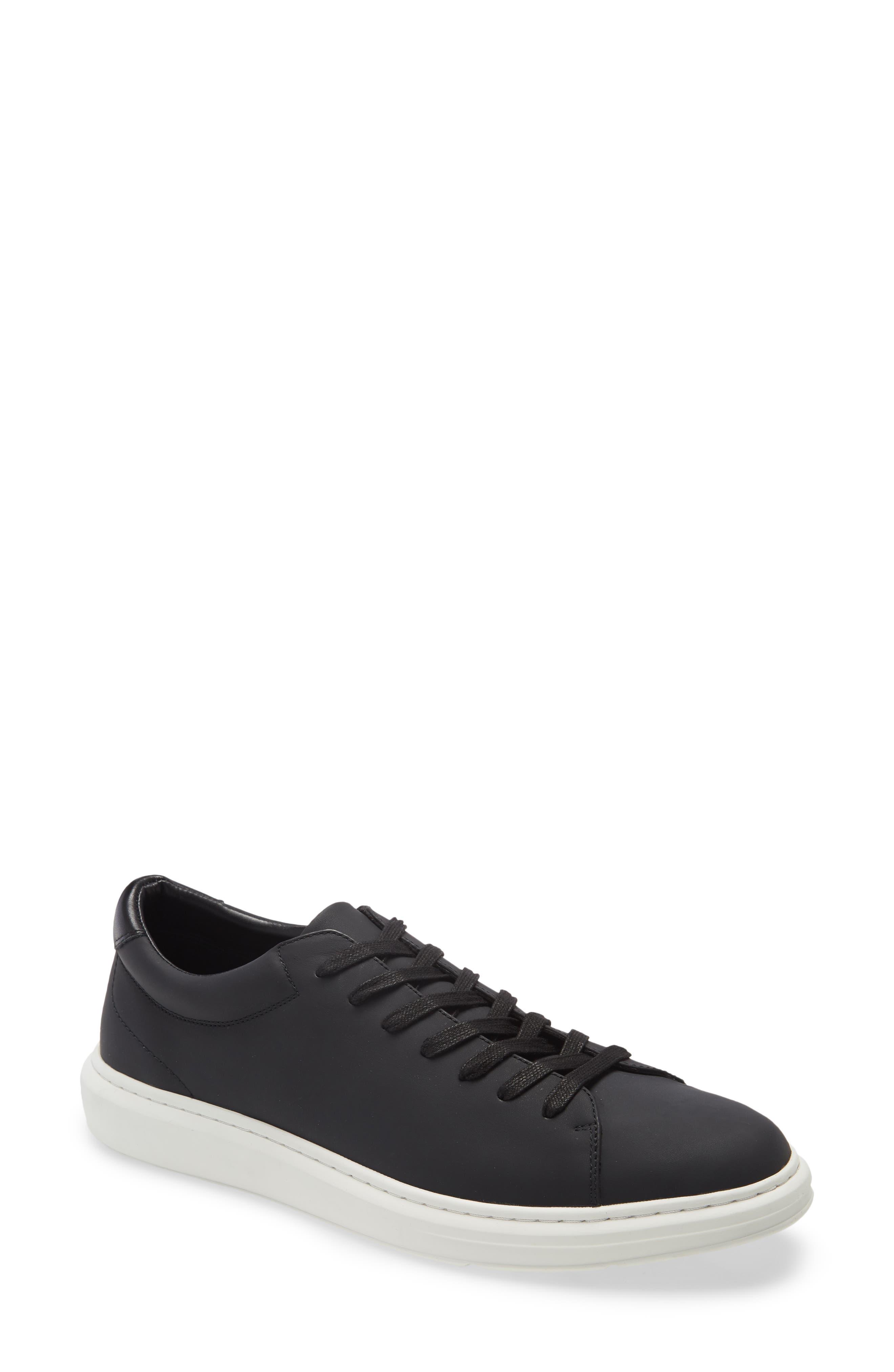 Venice Low-Top Sneaker