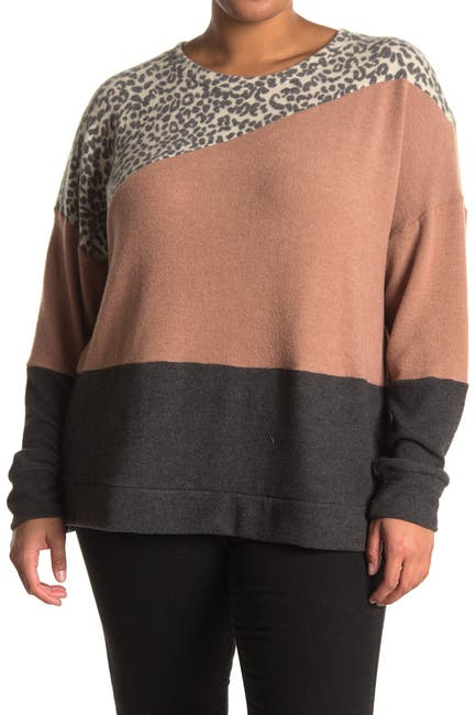 Image of SOCIALITE CURVE Colorblock Crew Neck Sweater