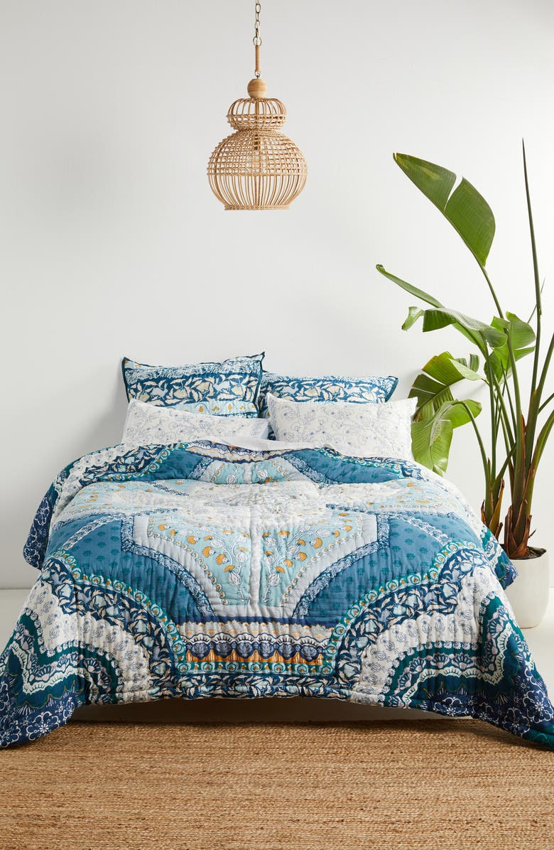 ANTHROPOLOGIE Paravel Quilt, Main, color, BLUE
