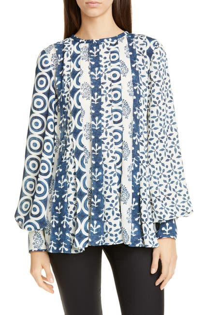 Image of Oscar de la Renta Long Sleeve Pintucked Front Blouse