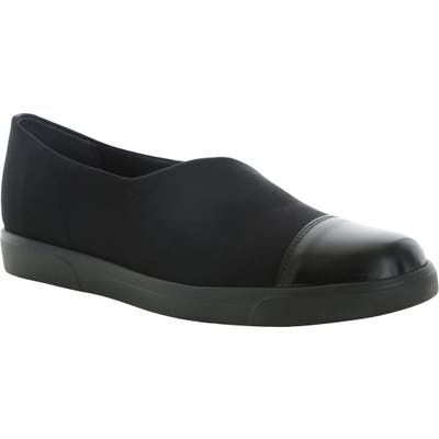 Munro Plum Slip-On Flat, Black