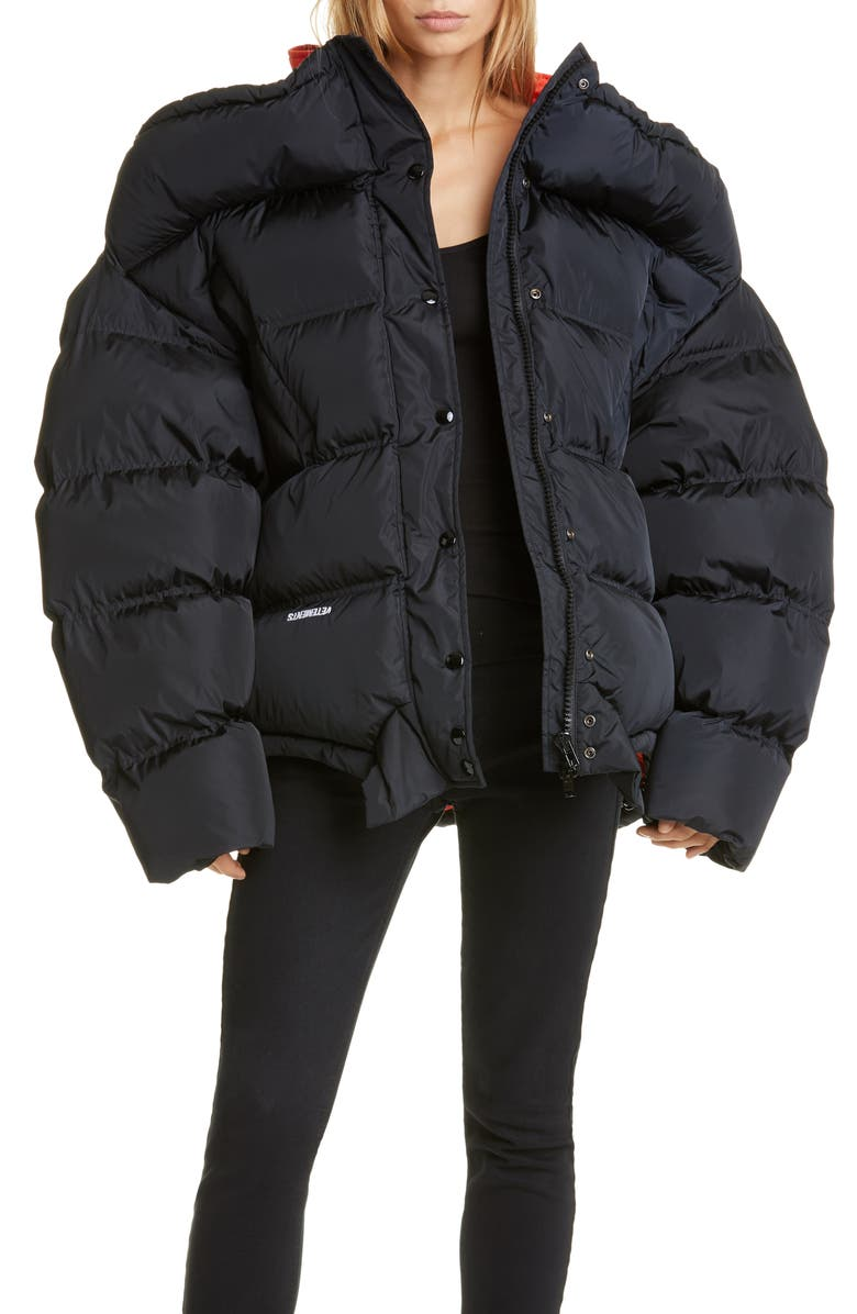 VETEMENTS Upside Down Puffer Jacket, Main, color, 001