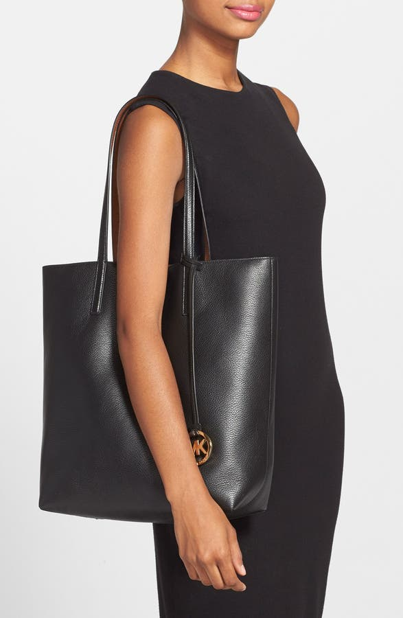 85e35a8e84f5 MICHAEL Michael Kors 'Izzy - Large' Pebbled Leather Tote (Nordstrom  Exclusive) | Nordstrom