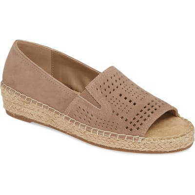 Bella Vita Cora Open Toe Slip-On, WW - Beige