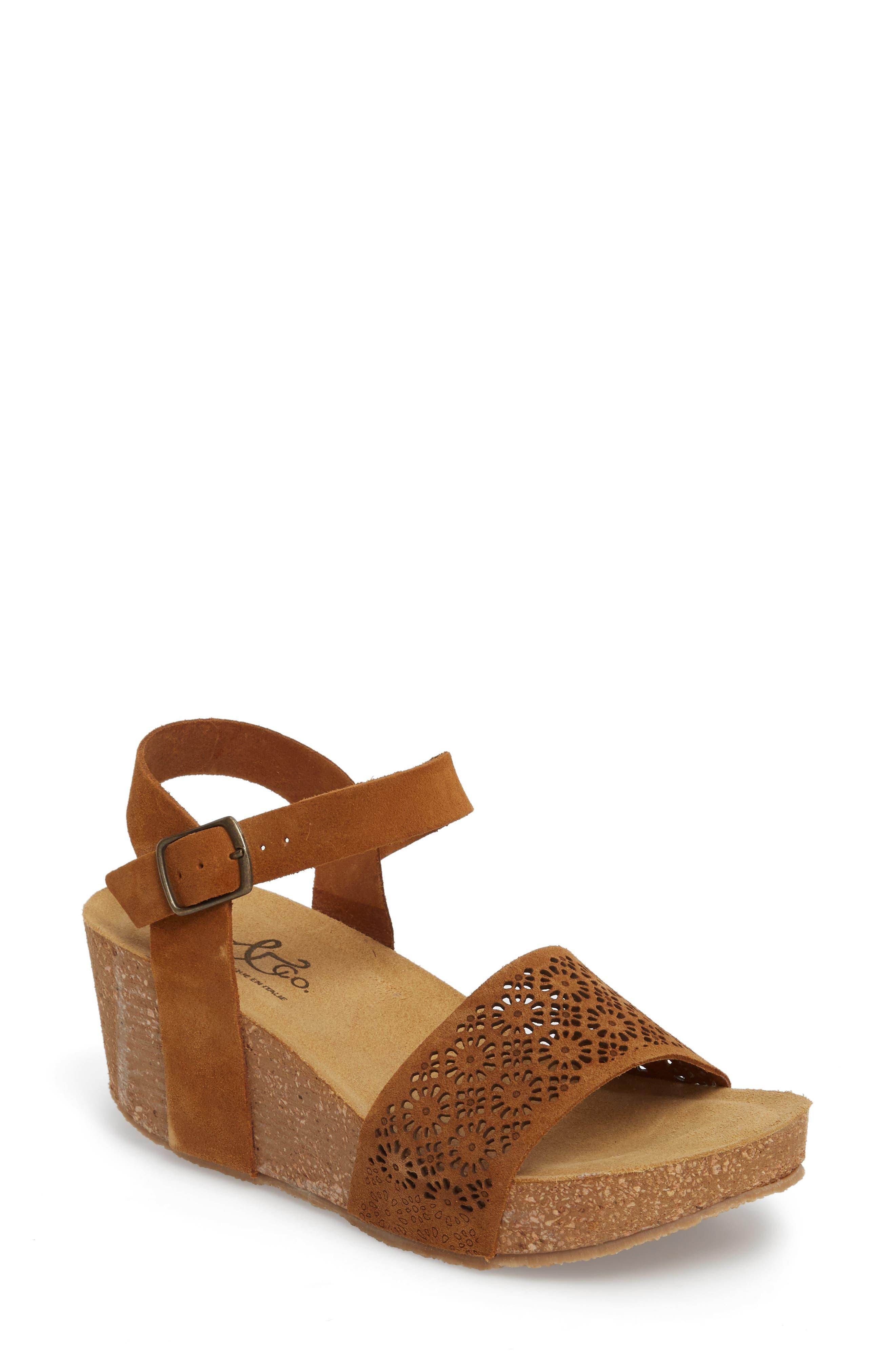 Bos. & Co. Lolo Platform Wedge Sandal, Brown
