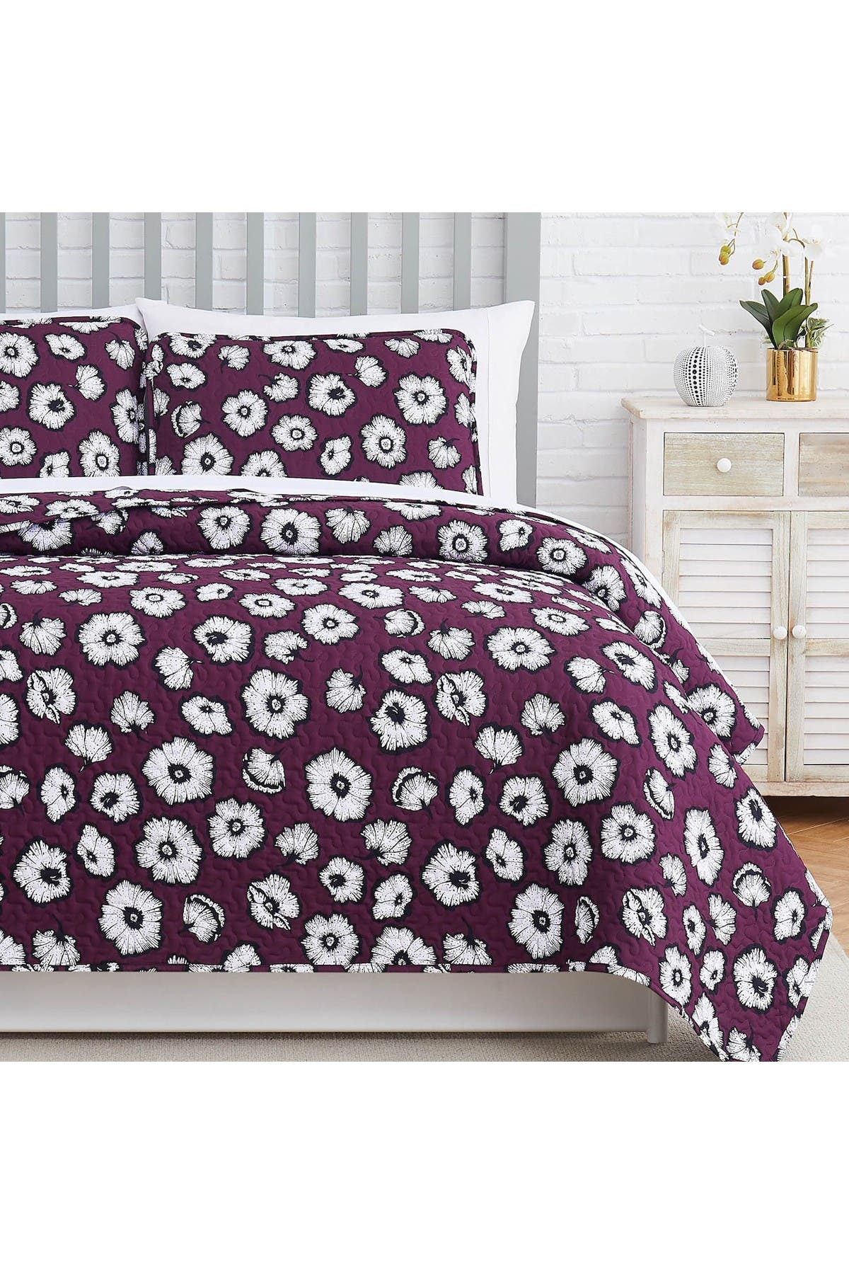 Image of SOUTHSHORE FINE LINENS Essence Oversized Quilt Cover Set - Purple - King/California King