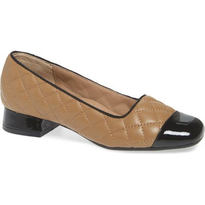 Bettye Muller Concepts Greta Pump, Beige