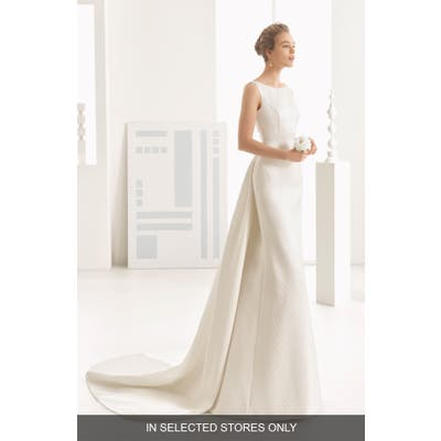 Rosa Clara Couture Navas Embellished Pique Column Gown With Train