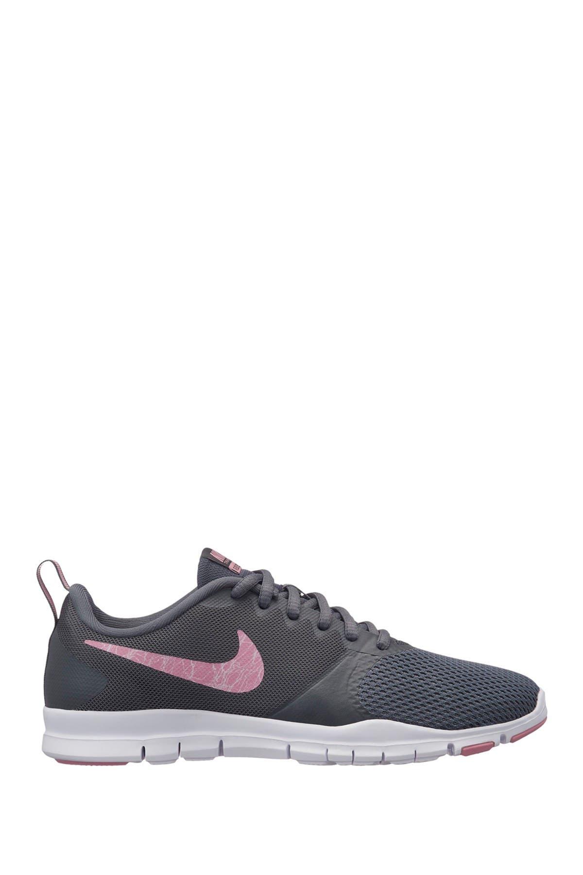 Nike   Flex Essential TR Trainer