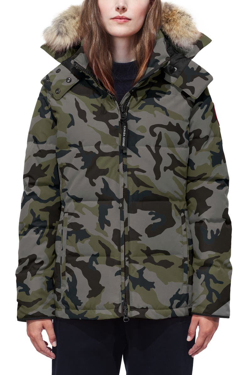 CANADA GOOSE 'Chelsea' Slim Fit Down Parka with Genuine Coyote Fur Trim, Main, color, CLASSIC CAMO COASTAL GREY