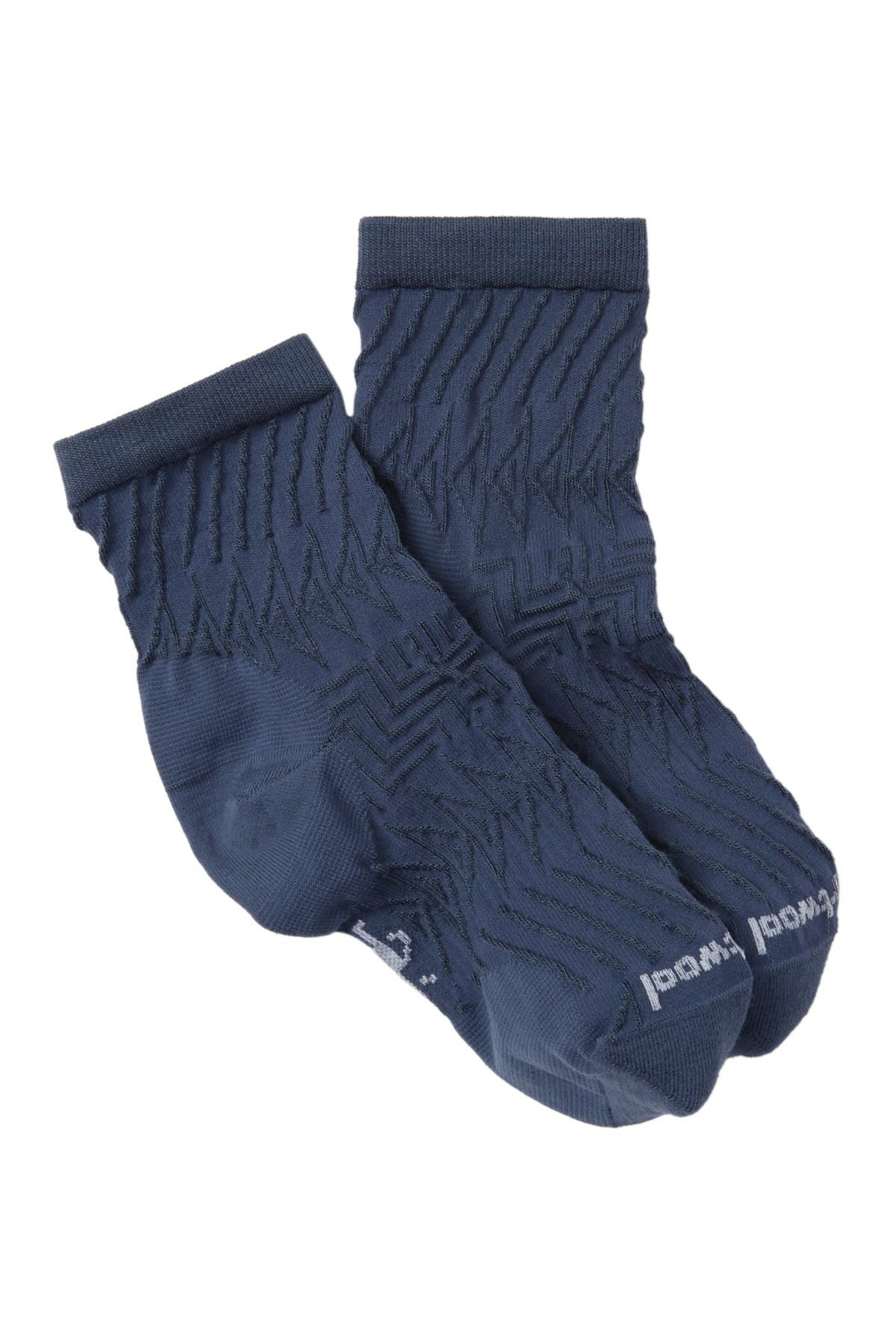 Image of SmartWool Triangle Textured Mid Crew Socks