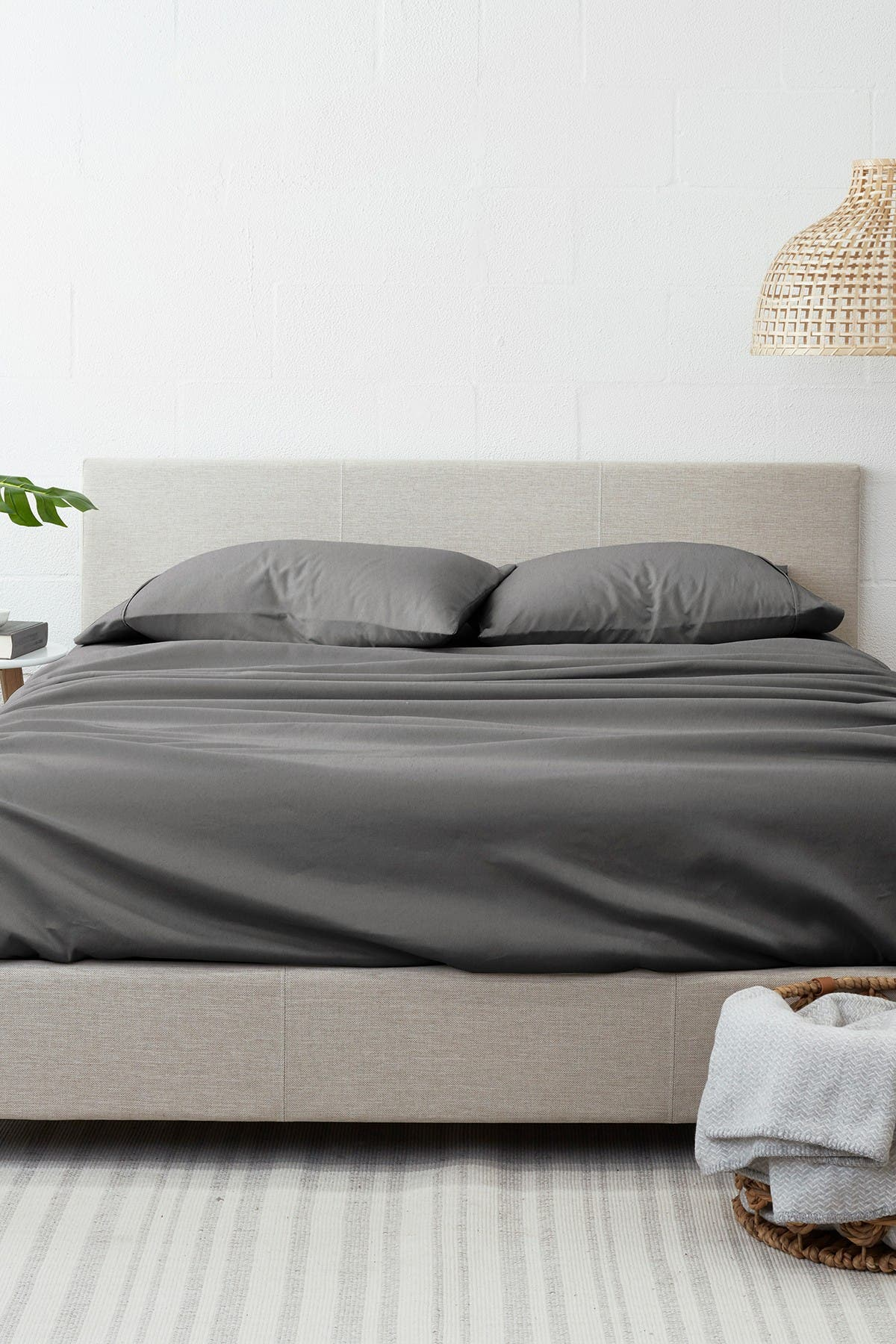 Image of IENJOY HOME Home Collection Premium 4-Piece Full Ultra Soft Flannel Bed Sheet Set - Gray