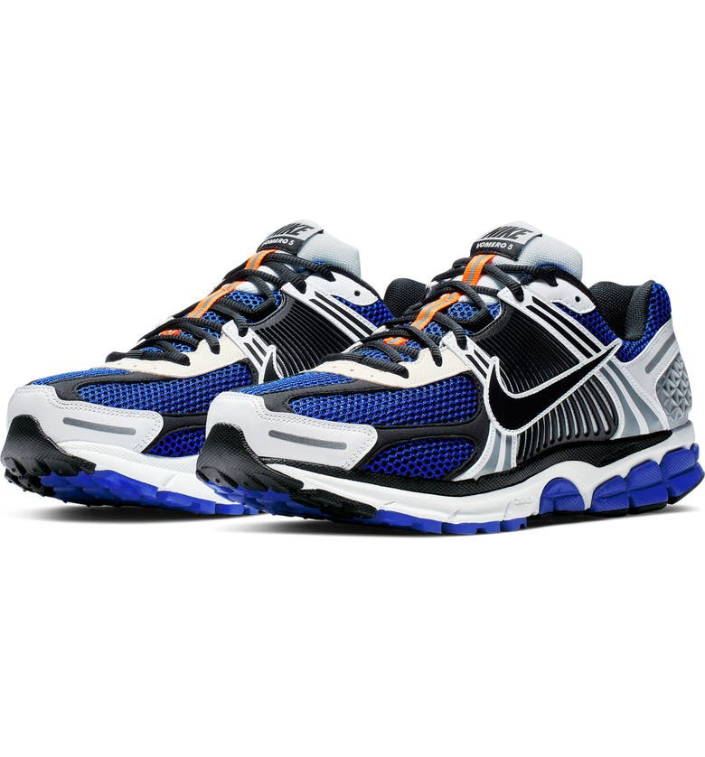 NIKE Zoom Vomero 5 SE SP Sneaker, Main, color, WHITE/ RACER BLUE/ BLACK/ SAIL
