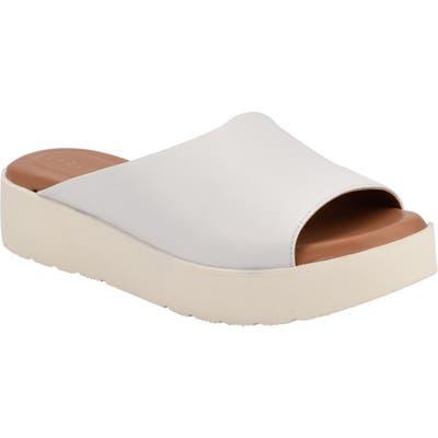 Evolve Flora Slide Sandal- White