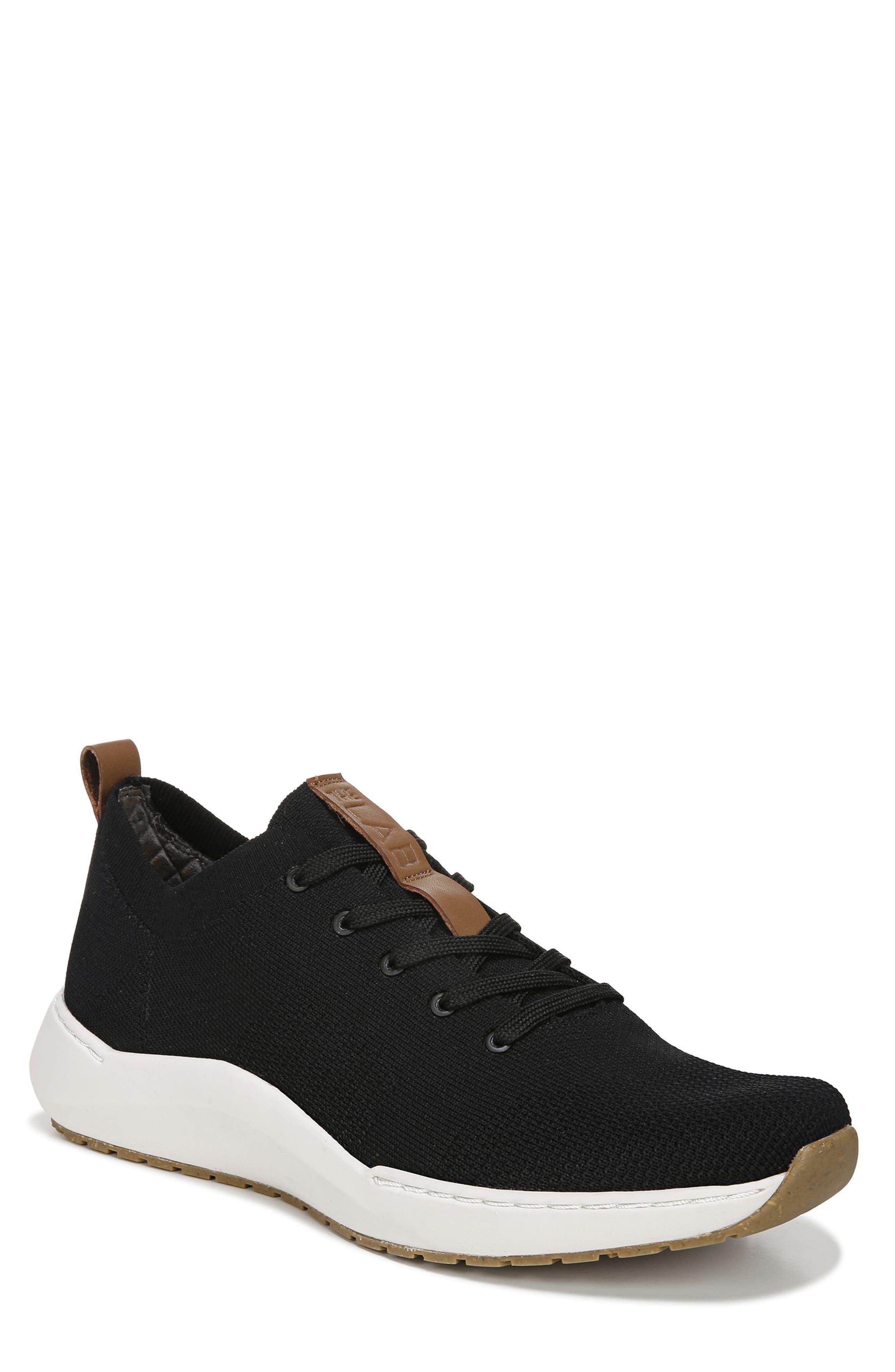 Howe Sneaker