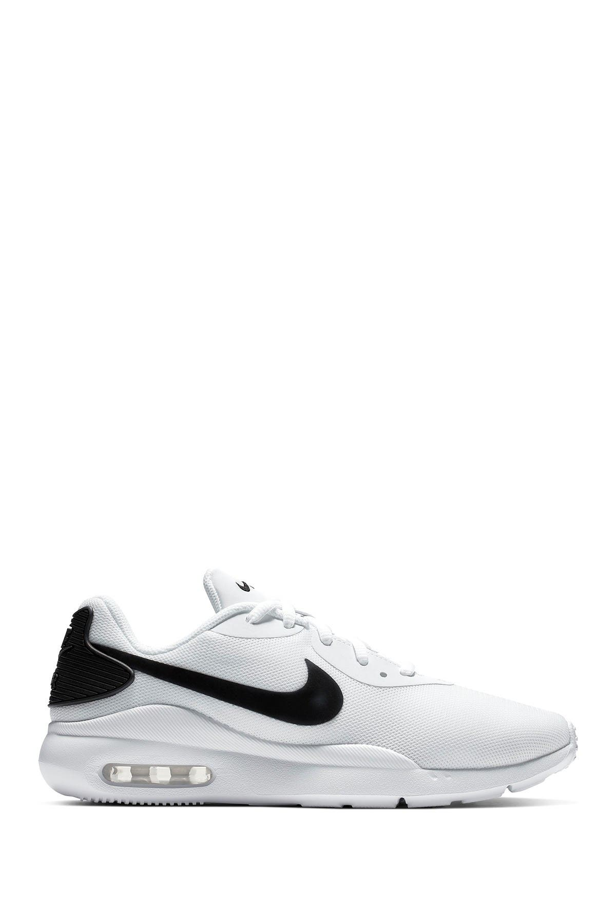 Nike | Air Max Oketo Sneaker