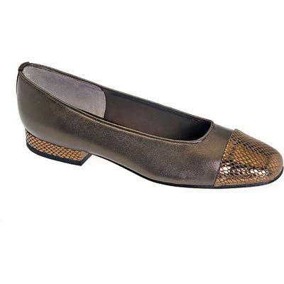 Vaneli Cap Toe Flat- Brown