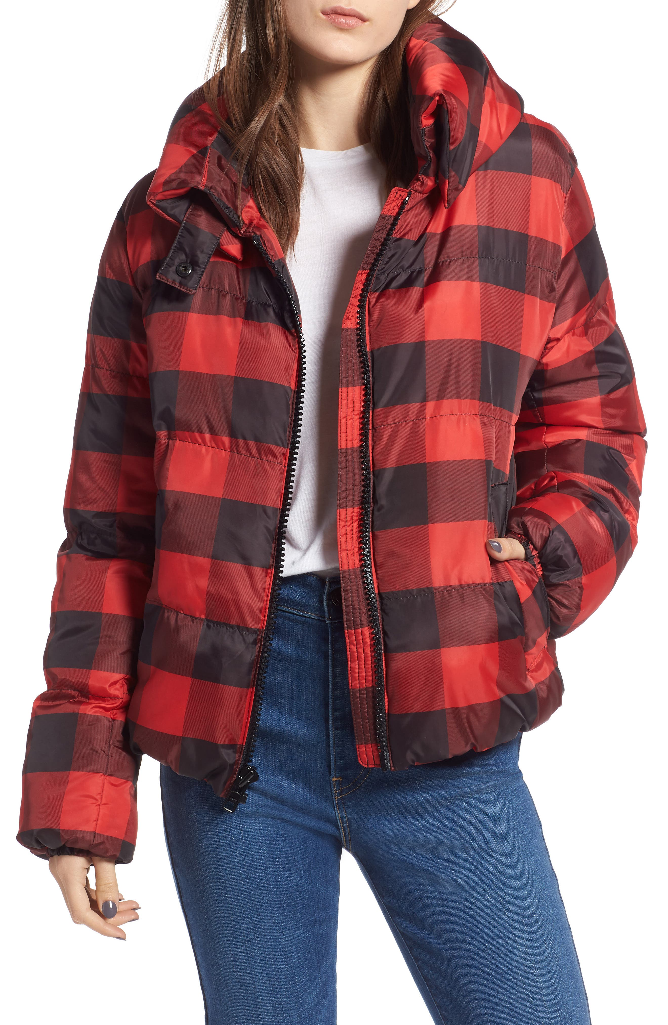 Kendall + Kylie Oversize Plaid Puffer Jacket In Blk/red Pl