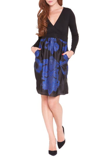 OlianMedallion Print Maternity Dress