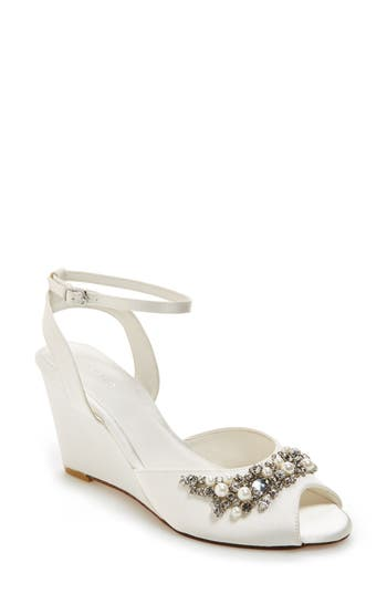 Menbur 'Esther' Wedge Sandal (Women)