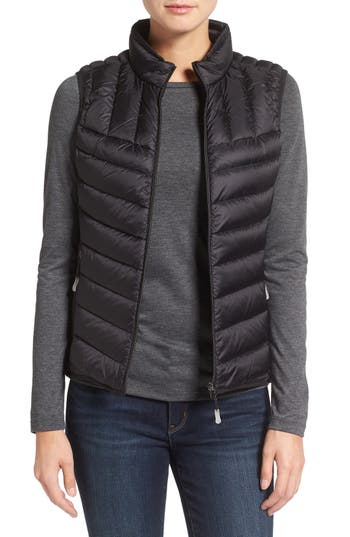 Tumi Packable Quilted Down Vest