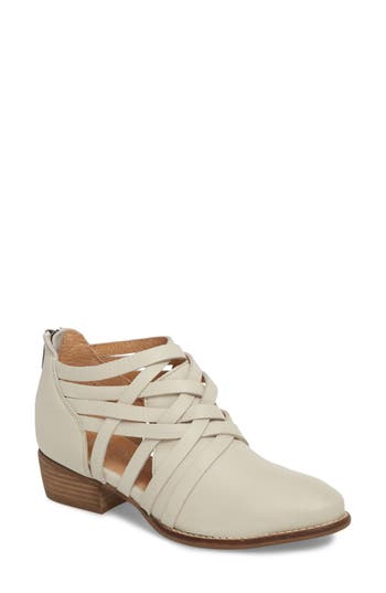 Seychelles So Blue Cutout Bootie, White