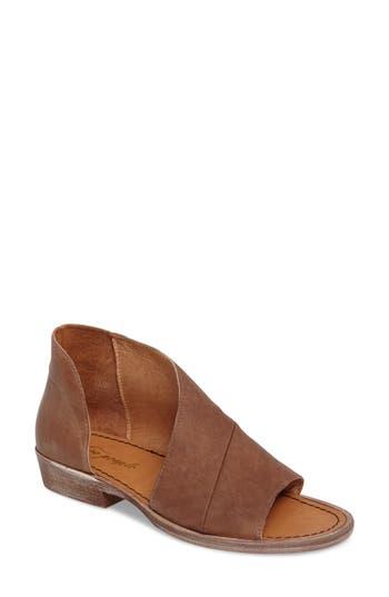 Women's Free People 'Mont Blanc' Asymmetrical Sandal, Size 5.5US / 35.5EU - Brown