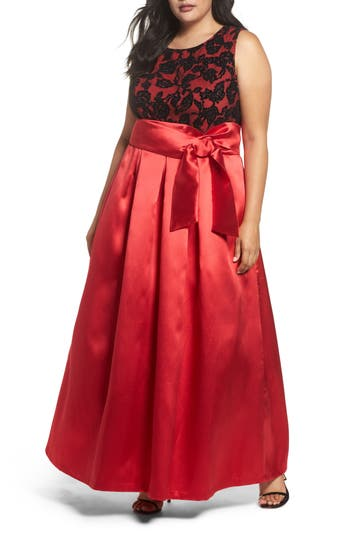 Plus Size Vintage Dresses, Plus Size Retro Dresses Plus Size Womens Eliza J Sleeveless Lace  Satin Ballgown $228.00 AT vintagedancer.com