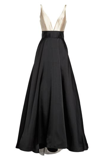Vintage Inspired Bridesmaid Dresses, Mothers Dresses Womens Ieena For MAC Duggal Plunging Sweetheart Neck Ballgown Size 16 - Black $398.00 AT vintagedancer.com