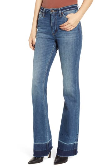 WRANGLER Exaggerated Bootcut Jeans in Denver