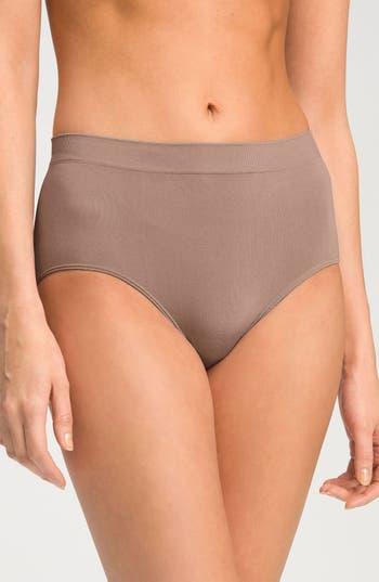 Women's Wacoal B Smooth Briefs, Size Medium - Brown