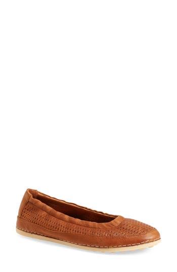 Women's L'Amour Des Pieds Dieppe Textured Flat, Size 5.5 M - Brown