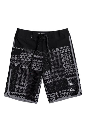 Boy's Quiksilver Hawaii Scallop Board Shorts, Size 22 - Black