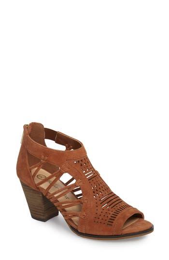 Bella Vita Kortez Block Heel Sandal, Brown