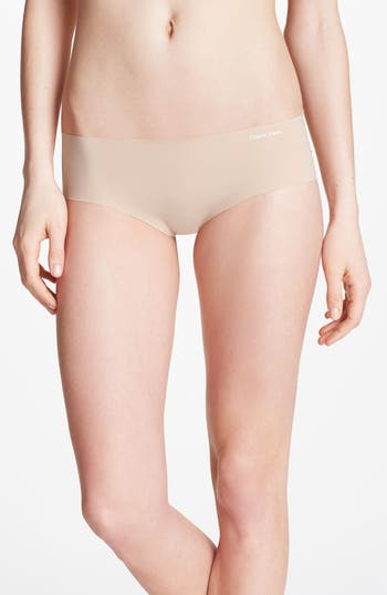 Women's Calvin Klein 'Invisibles' Hipster Briefs, Size Small - Beige