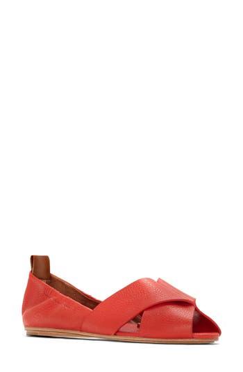 Women's Mercedes Castillo Amaia Flat, Size 6.5 M - Red