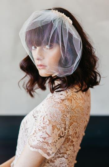Vintage Inspired Wedding Accessories J-Picone Bridal Veil Hair Comb $43.00 AT vintagedancer.com
