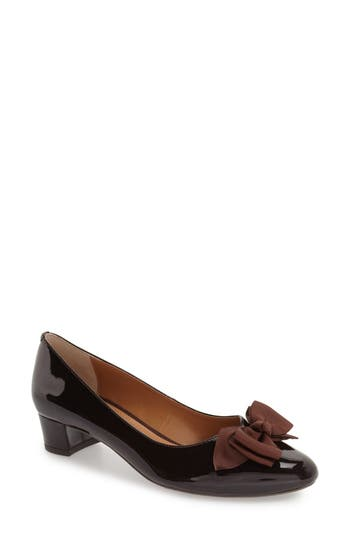 Women's J. Renee 'Cameo' Bow Pump, Size 7 AA - Brown