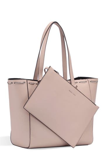 Kendall + Kylie  IZZY CHAIN FAUX LEATHER TOTE - BEIGE