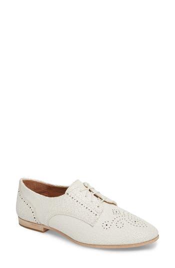 Frye Terri Perforated Oxford, White